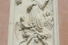 8 esterno oratorio San Lorenzo - opera scultore Antonio Brilla